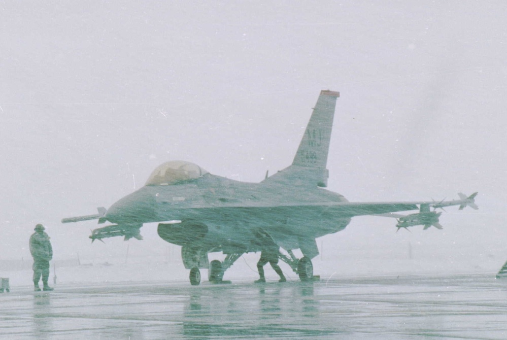 Snowy F-16 at Misawa AB Japan (1).jpg